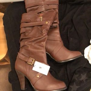 Xhilaration brown women's boots